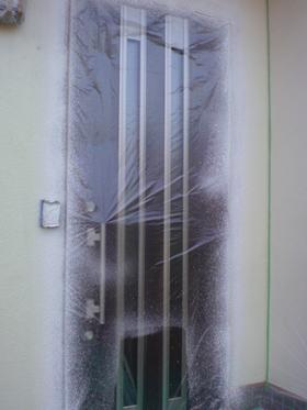 【完工事例】[10.11.19]  伊勢原市S様邸 玄関ドア交換に伴うパターン合わせ及び塗装工事