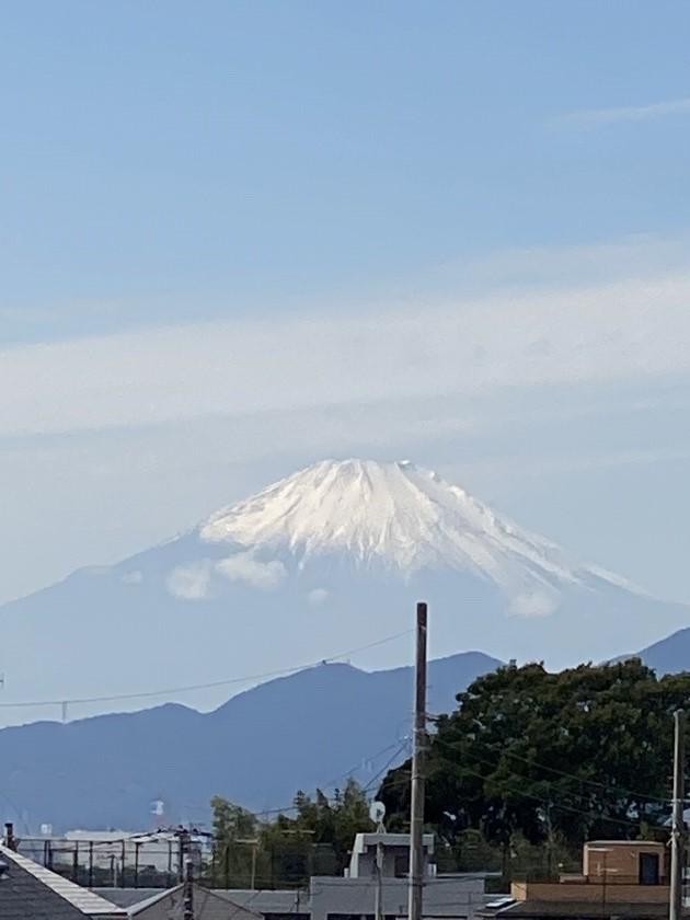 藤沢市から眺める富士山はすっかり雪化粧になりました!